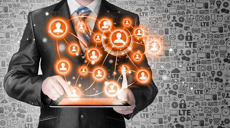 Linkedin or viadeo? selecting the right professional social network